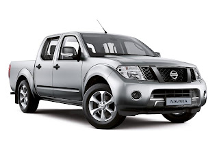 Nissan Navara Visia (2013) Front Side