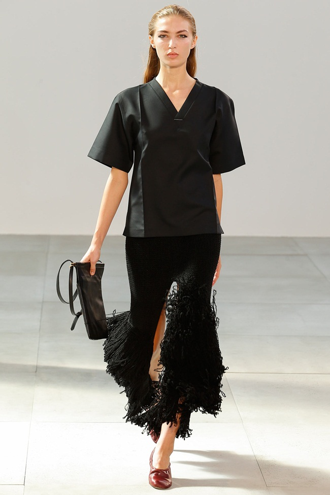 Céline 2015 SS Black Fringed Knit Skirt With High Slits on Runway