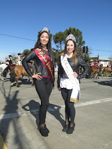 Reinas de la belleza de Chillán y Chillán Viejo en desfile 20 de agosto 2017