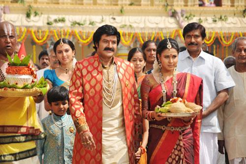 Oo Kodathara Ulikki Padathara Movie Stills