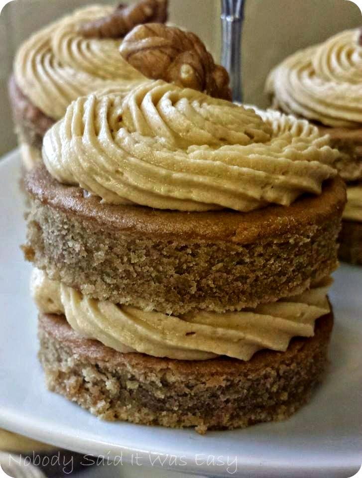 Mini coffee cakes recipe dishmaps - Coffee cake recipes ...