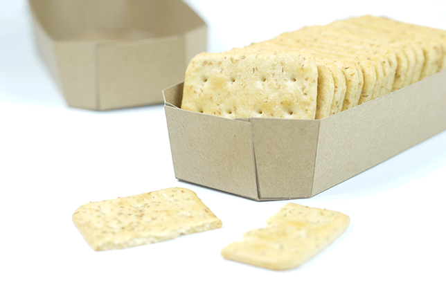 Ynas Design Blog | Pappschale aus Kraftpapier für Cracker
