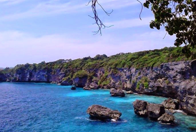 Tebing dan Pantai Apparalang
