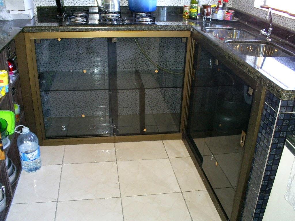 Imagens de #396A92 fechamento de balcão de pia com vidro fumê e alumínios na cor  1024x768 px 2182 Box De Vidro Para Banheiro Jaragua Do Sul