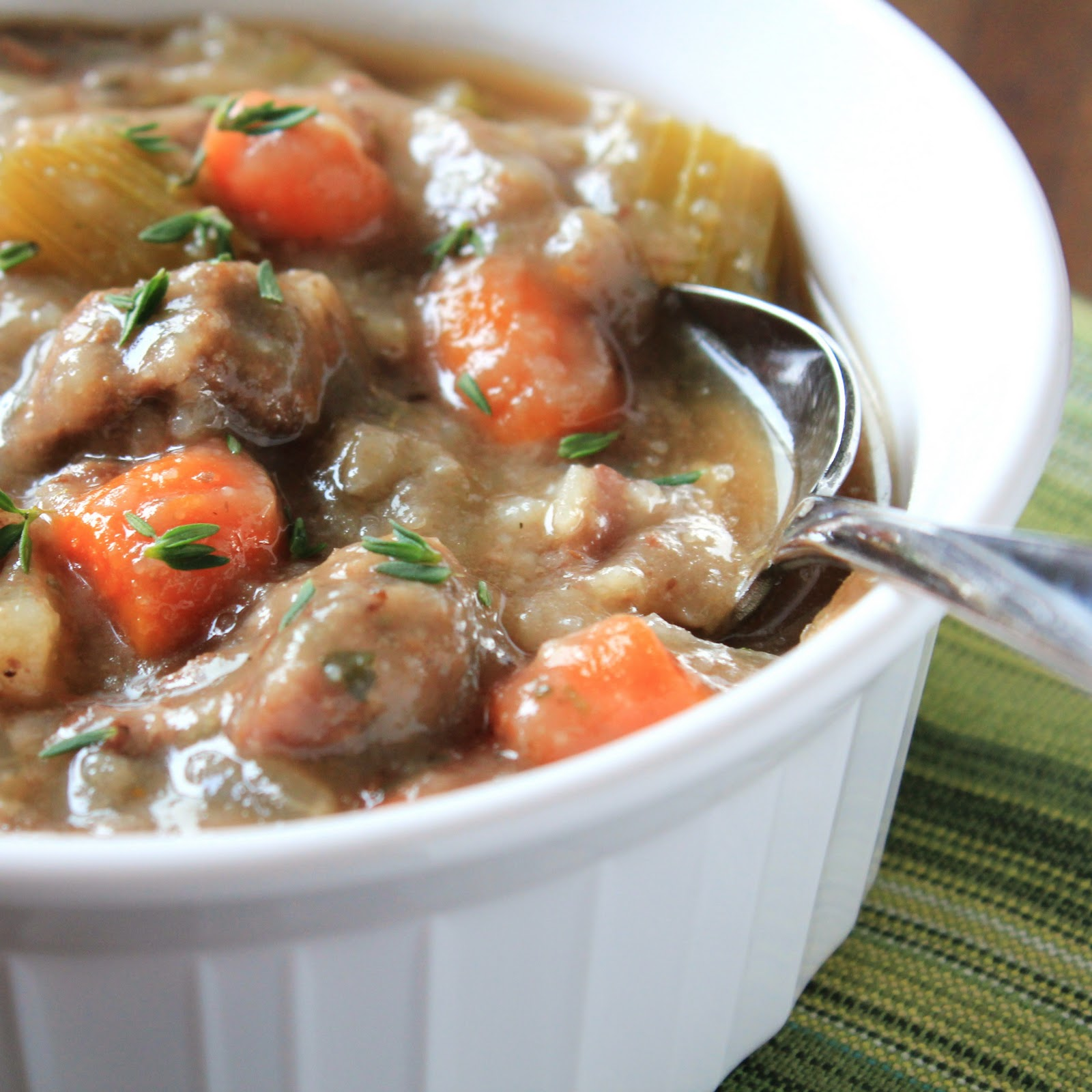 Delicious as it Looks: The Best Slow Cooker Beef Stew Ever