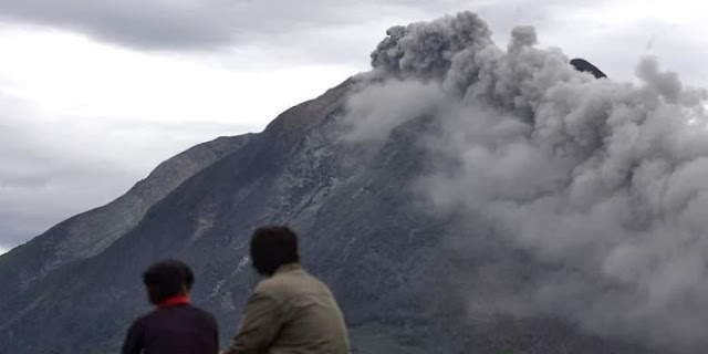 Gunung Sinabung Kembali Erupsi, 1.710 Orang Mengungsi