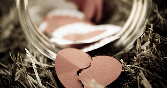 Penat Hati Dia Menanti Engkau Tak Tiba-tiba