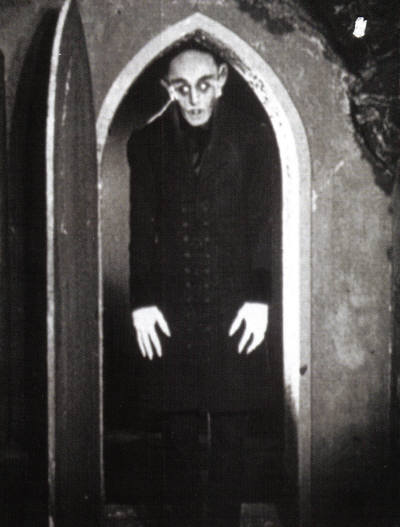 a comparison of the movies dracula and nosferatu Nosferatu generated the legend that its star max schreck really was a vampire this legend generated the recent film shadow of the vampire (2000) starring john malkovich.