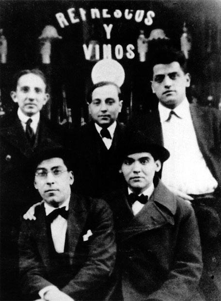 Imagen de la Residencia de Estudiantes de Madrid. La foto muestra a Benjamín Jarnés, Humberto Pérez de la Ossa, Luis Buñuel, Rafael Barradas y Federico García Lorca en 1923