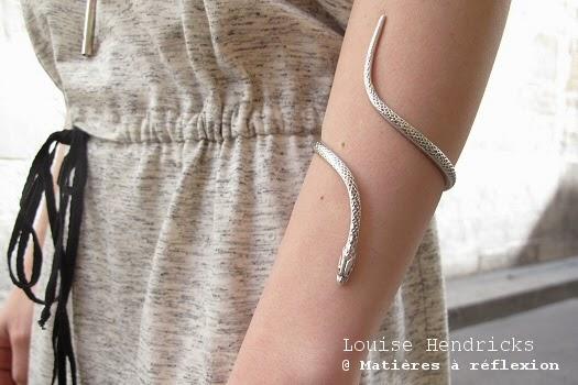 Look du jour : bijoux argent serpent manchette Bracelet jonc argenté Louise Hendricks