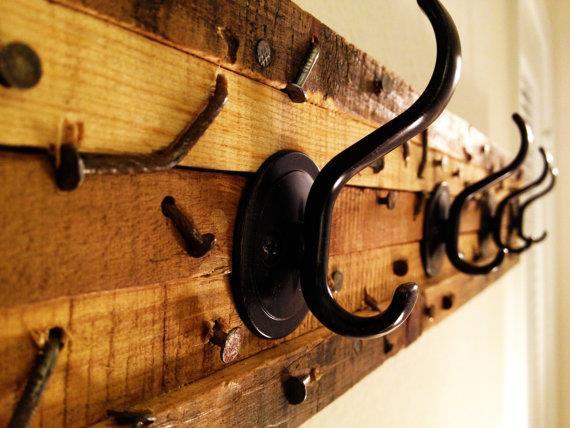 cabideiro madeira reuso