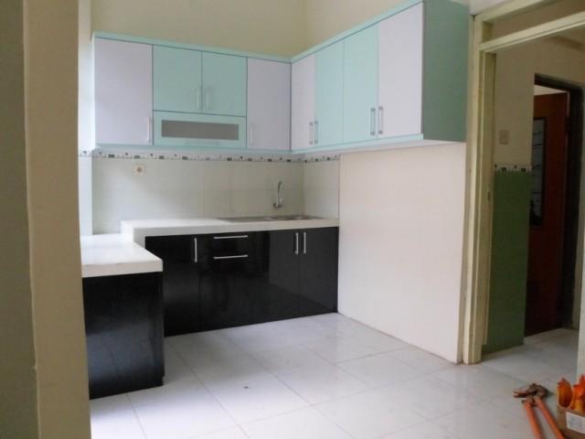 Kitchen set dan lemari bawah tangga furniture interior for Rak kitchen set minimalis