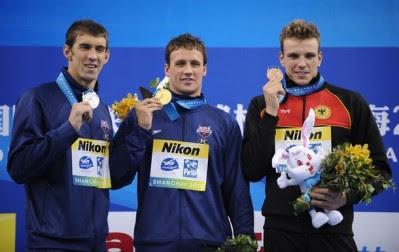NATACIÓN-Lochte oro y Phelps plata en 200 libre