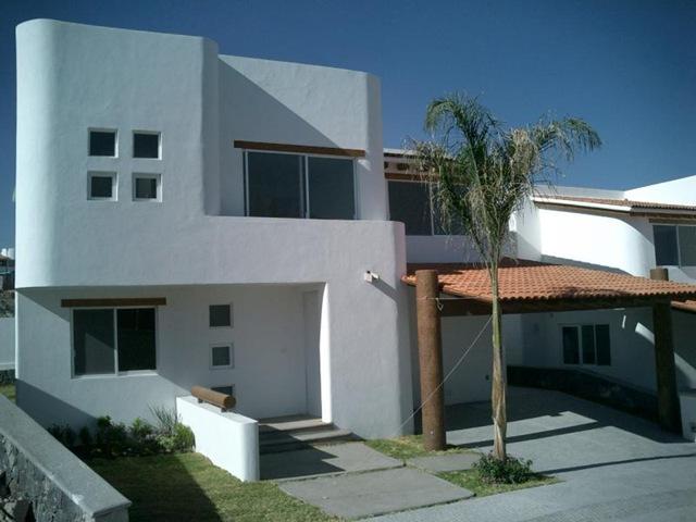 Decoraci n minimalista y contempor nea fachadas for Fachadas de casas estilo contemporaneo