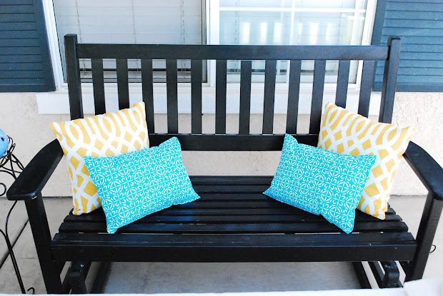 A Bench With Pillows Decorating Vtwctr Magnificent How To Decorate A Bench With Pillows