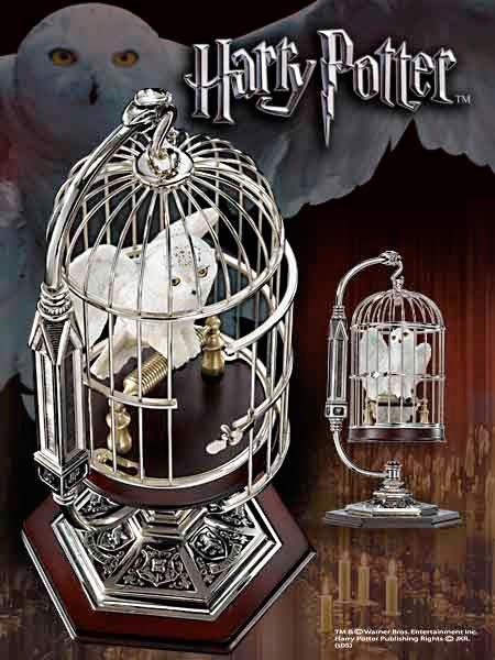 Estatua Hedwig en Jaula