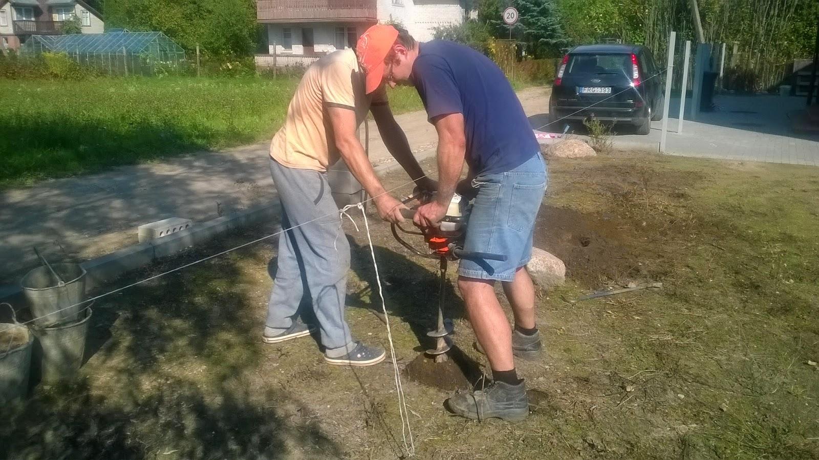 Kaip betonuoti tvoros stulpus