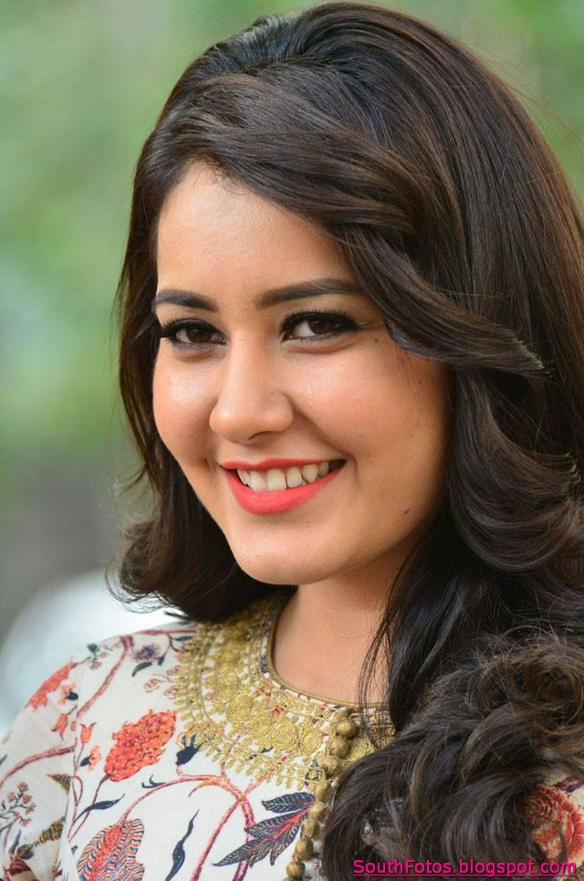 Rashi Khanna Hot Images