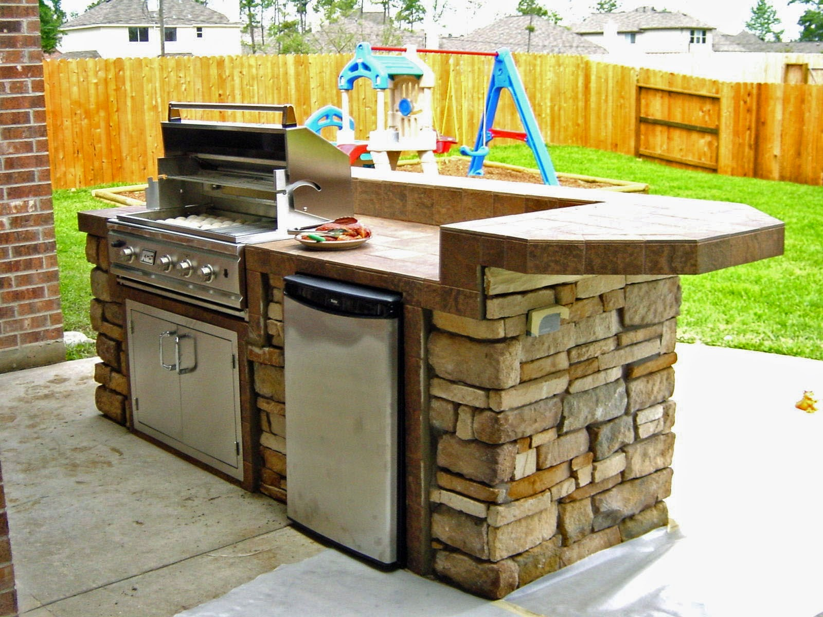 Simple outdoor kitchen design ideas interior home for Backyard kitchen design ideas