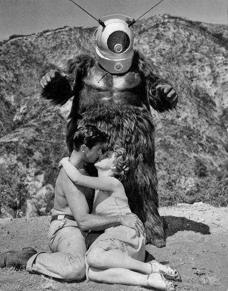 vintage robot monstre