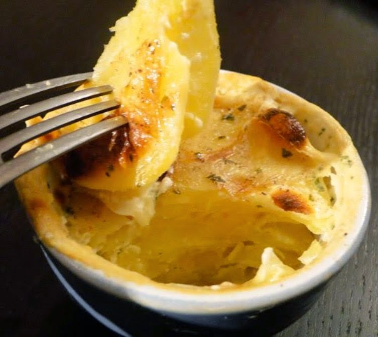 French Potato Gratin (gratin dauphinois)