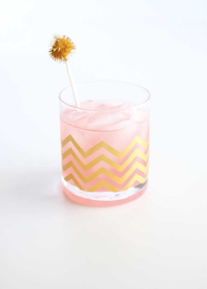 Spray Paint & Chardonnay: DIY: Pom-Pom Drink Stirrer