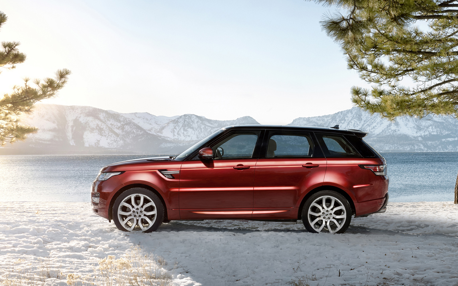 daniel craig drives the 2014 range rover sport new cars reviews. Black Bedroom Furniture Sets. Home Design Ideas