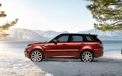 Daniel craig drives the 2014 range rover sport