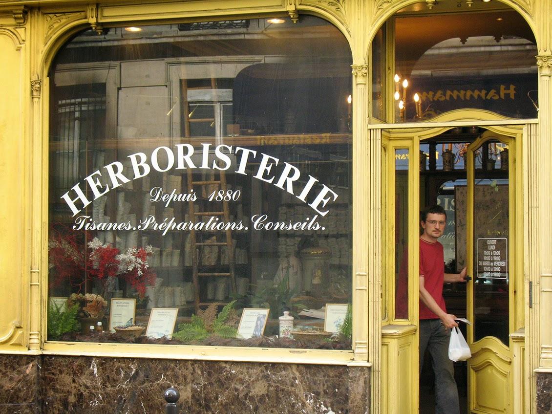 entrance of the Grande Herboristerie