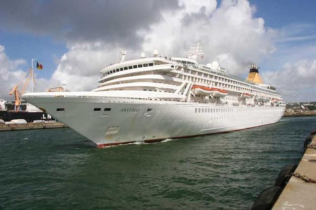 Kapal Pesiar MV Artemis 04