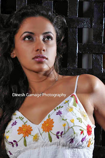 udari warnakulasuriya hot