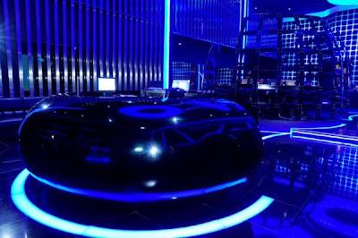 2 Cyber cafe yang super canggih ,terasa dalam Tron Legacy