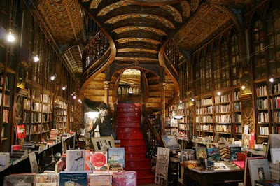 Oporto (Portugal) turismo libreria famosa