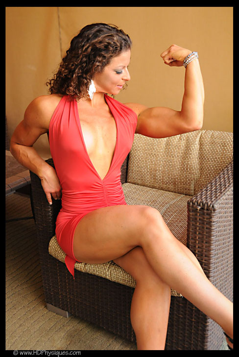 Michelle Blank Female Muscle Bicep HDPhysiques