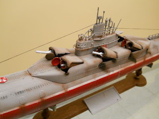 Chinese Type 33g Submarine 1/144 by Trumpeter