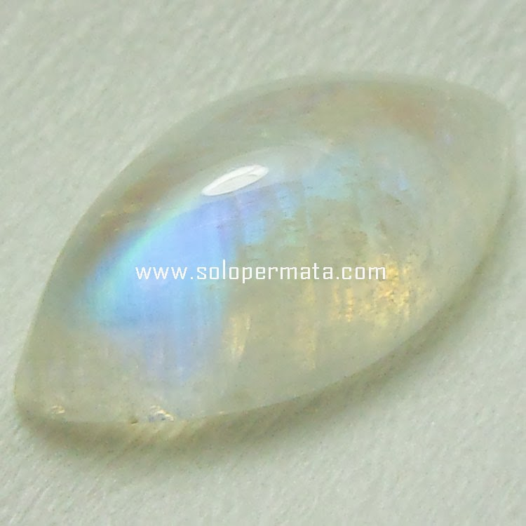 Batu Permata Moonstone