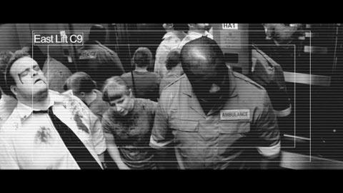 des Zombies dans l'ascenseur