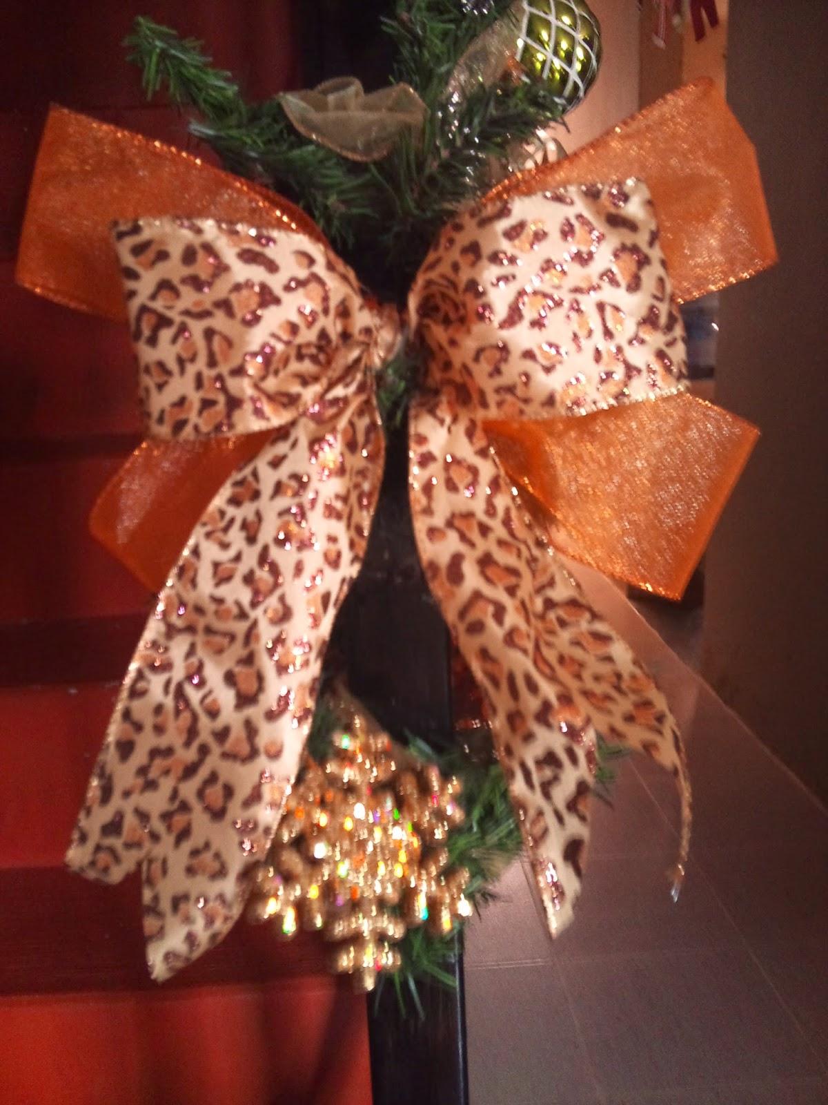 Arboles de navidad con moos ideas para aprender cmo for Arbol de navidad con bolas rojas
