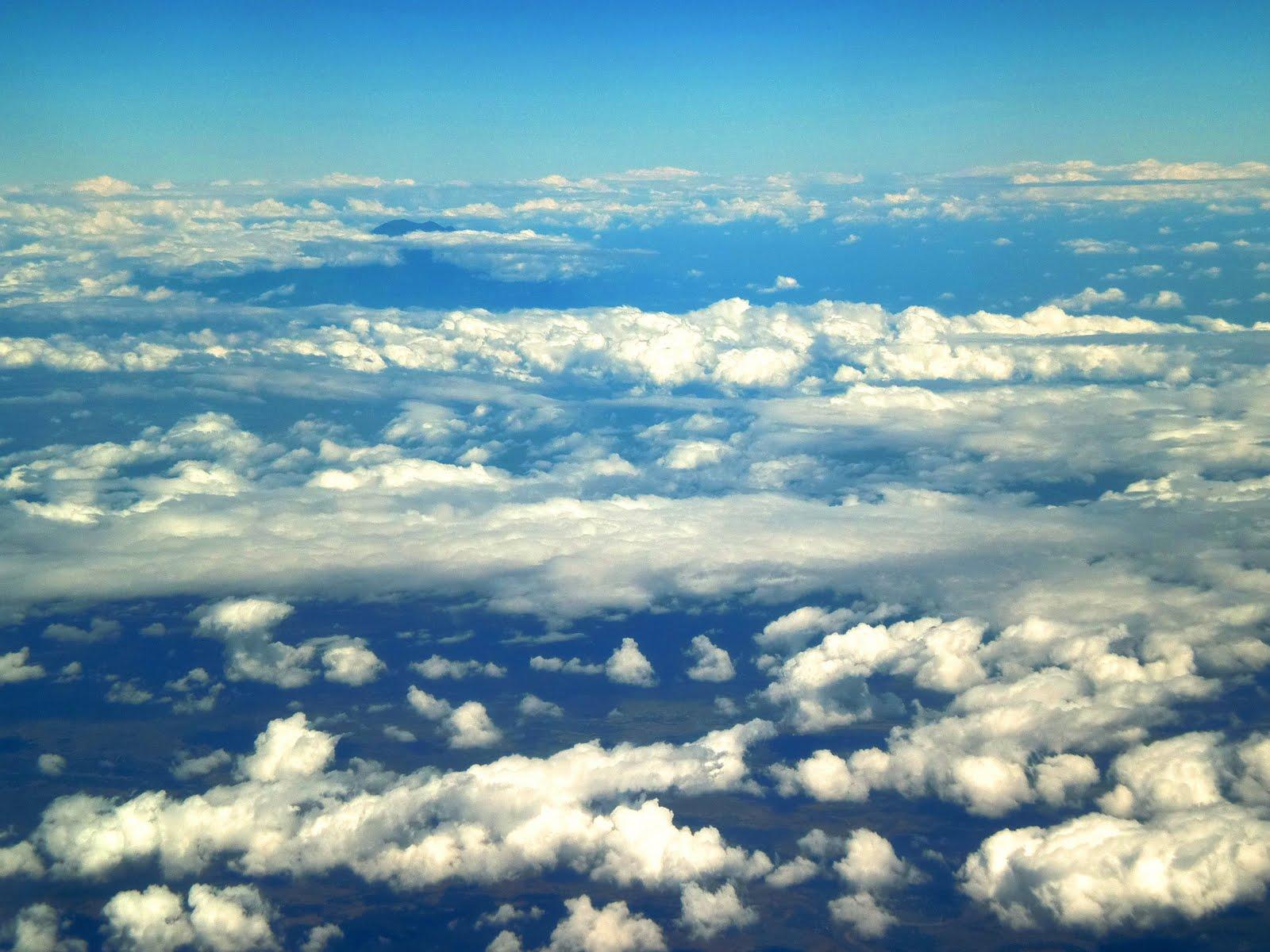 http://2.bp.blogspot.com/-ik50RUrTrIU/ThwSi2Q0vQI/AAAAAAAAApU/mN7iOA1WAz4/s1600/plane1.jpg