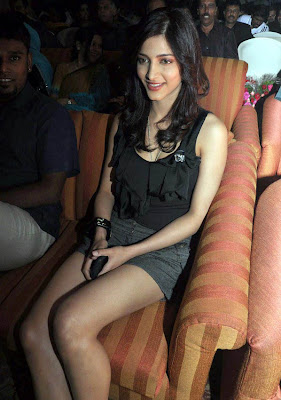 Shruti Hassan Hot Mediafire photo Wallpapers{ilovemediafire.blogspot.com}