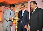 Dhanush at Idea film fare awards-thumbnail-14