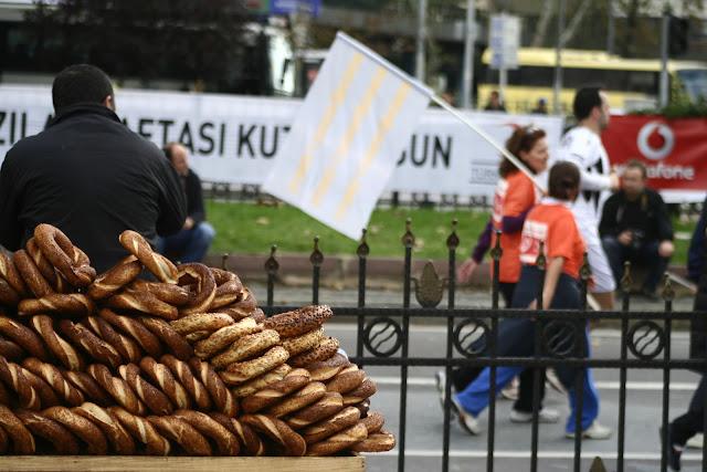 Simit, The Istanbul Eurasia Marathon 2012.