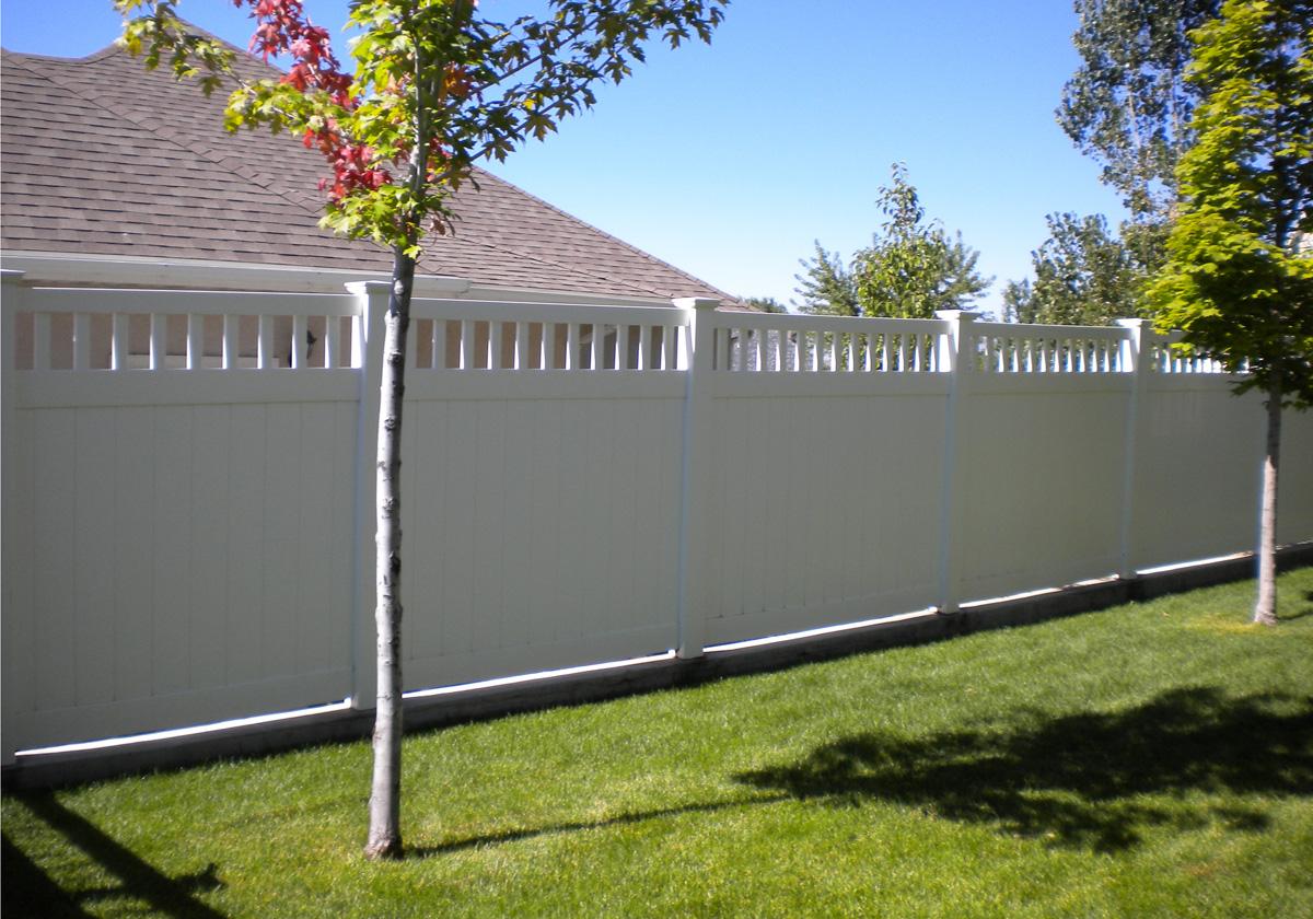 Spokane Vinyl Fence