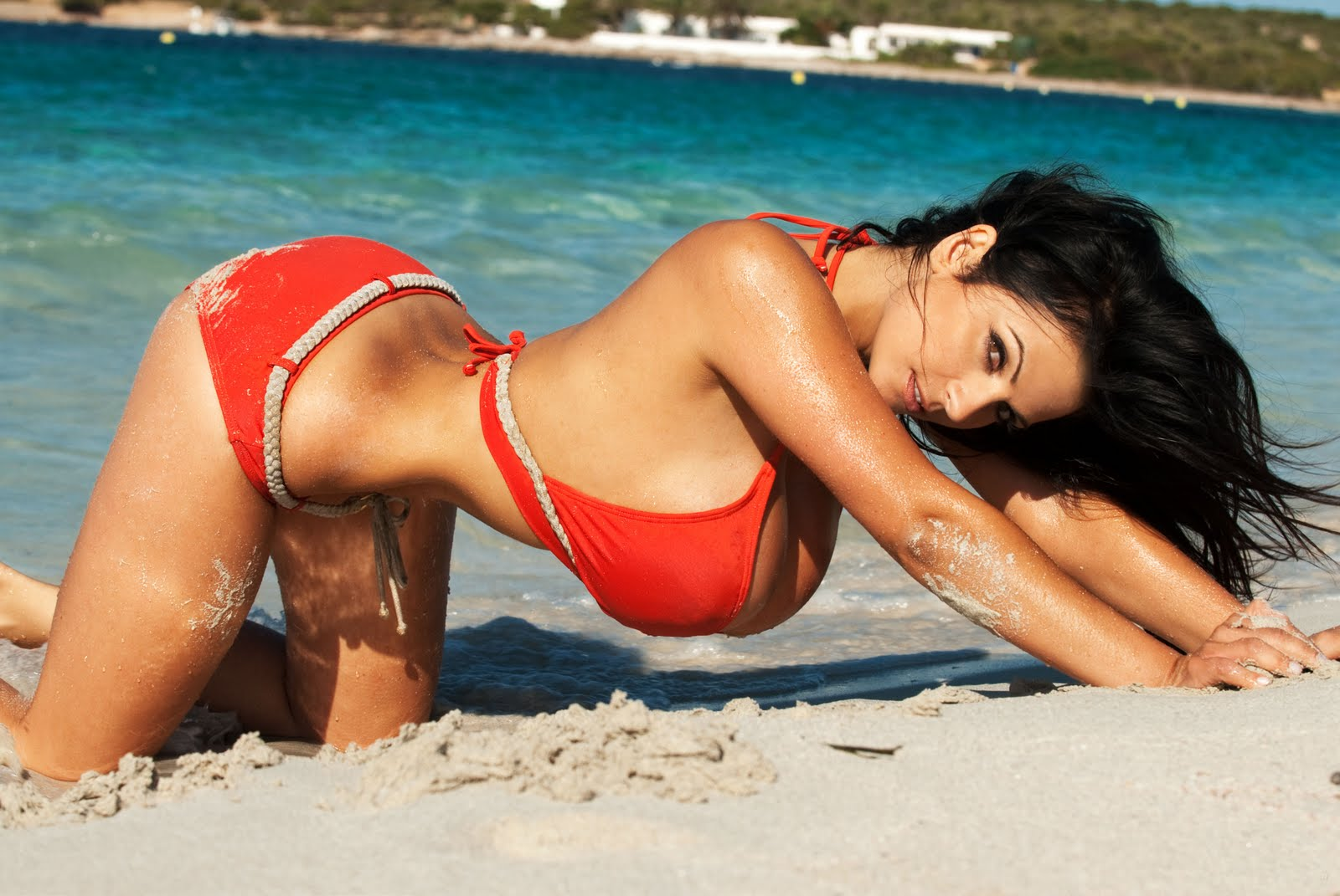Face Wallpapers: Denise Milani Wallpapers