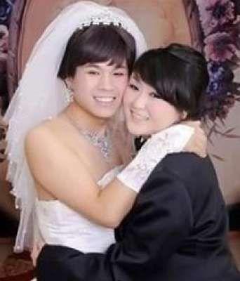 عروس يابانية تقنع عريسها بارتداء فستان الزفاف على أن ترتدي هي البدلة !!!!