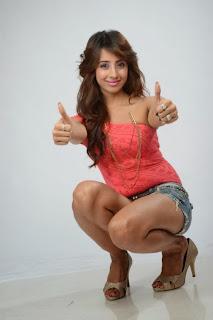 Actress Sanjana Expose Thunder Thigh in Short and Top