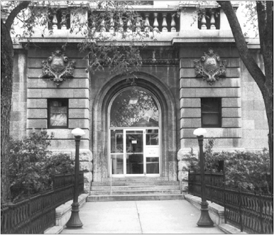 The front entrance to the Carnegie Library, ca. 1969. Photo courtesy of the City of Winnipeg Historical Report.