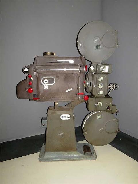 Proiettore d'epoca RCA Ashcraft, nuovo cinema La Gran Guardia, Livorno