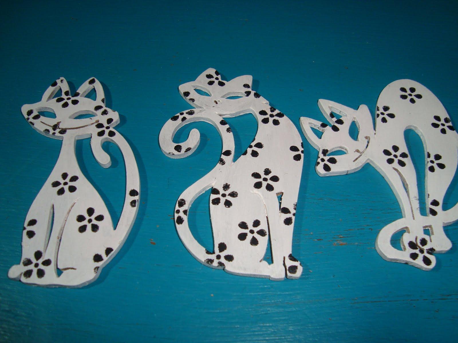 Esses recortes de gatos vazados perfeitos foram cortados à Laser. #014B60 1600x1200
