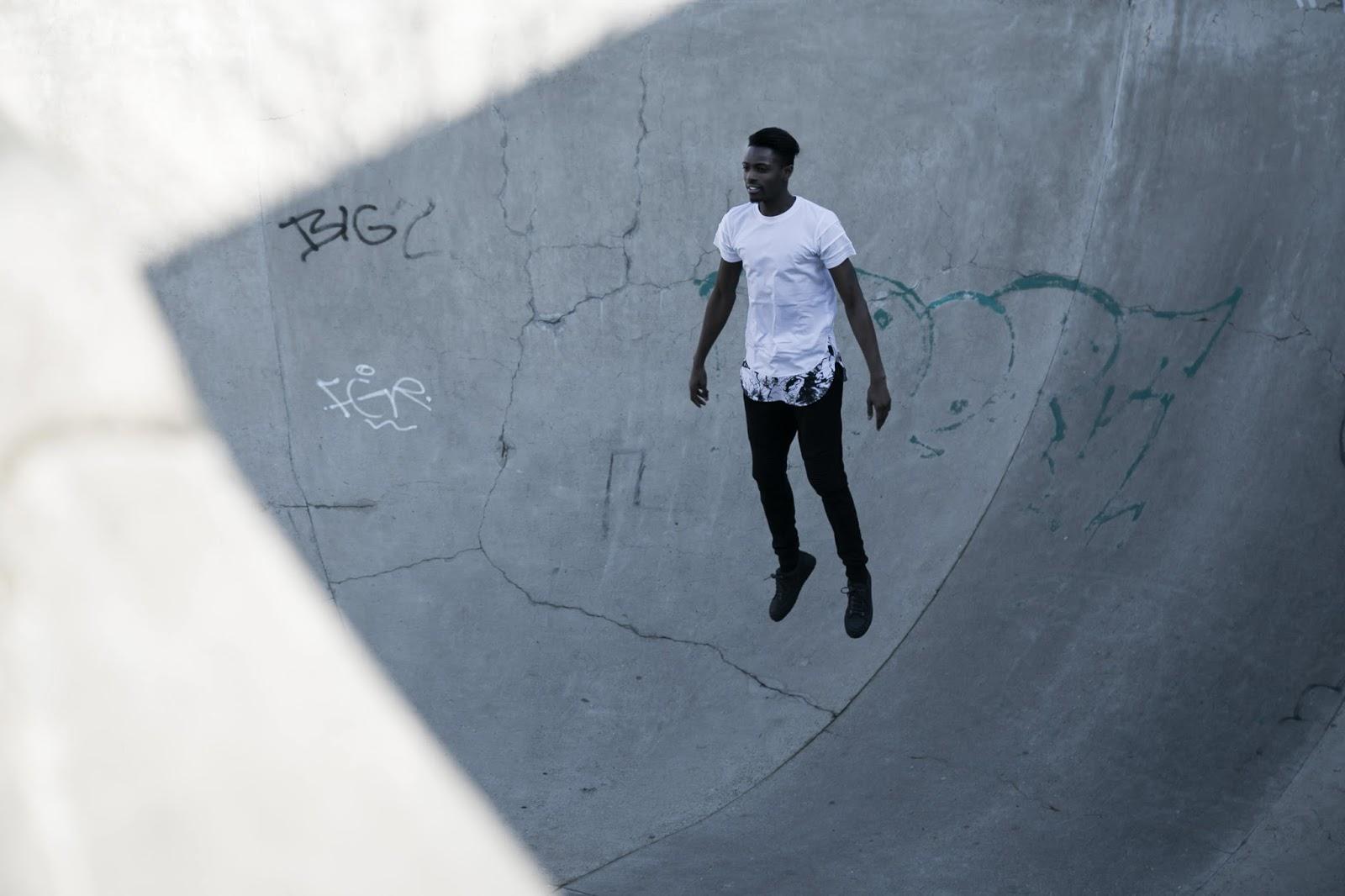levitation black and white marble tshirt lookbook urban flavours foh apparel biker jogger etq sneakers freyrs sunglasses antwerp skateparc mensfashion blogger